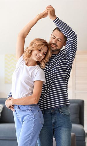 couple-dancing-in-living-room